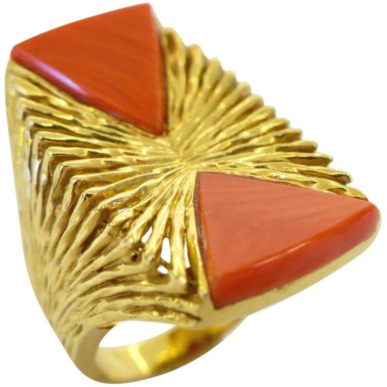 Kutchinsky, ring, 1972. Foto Kimberly Klosterman, goud, koraal