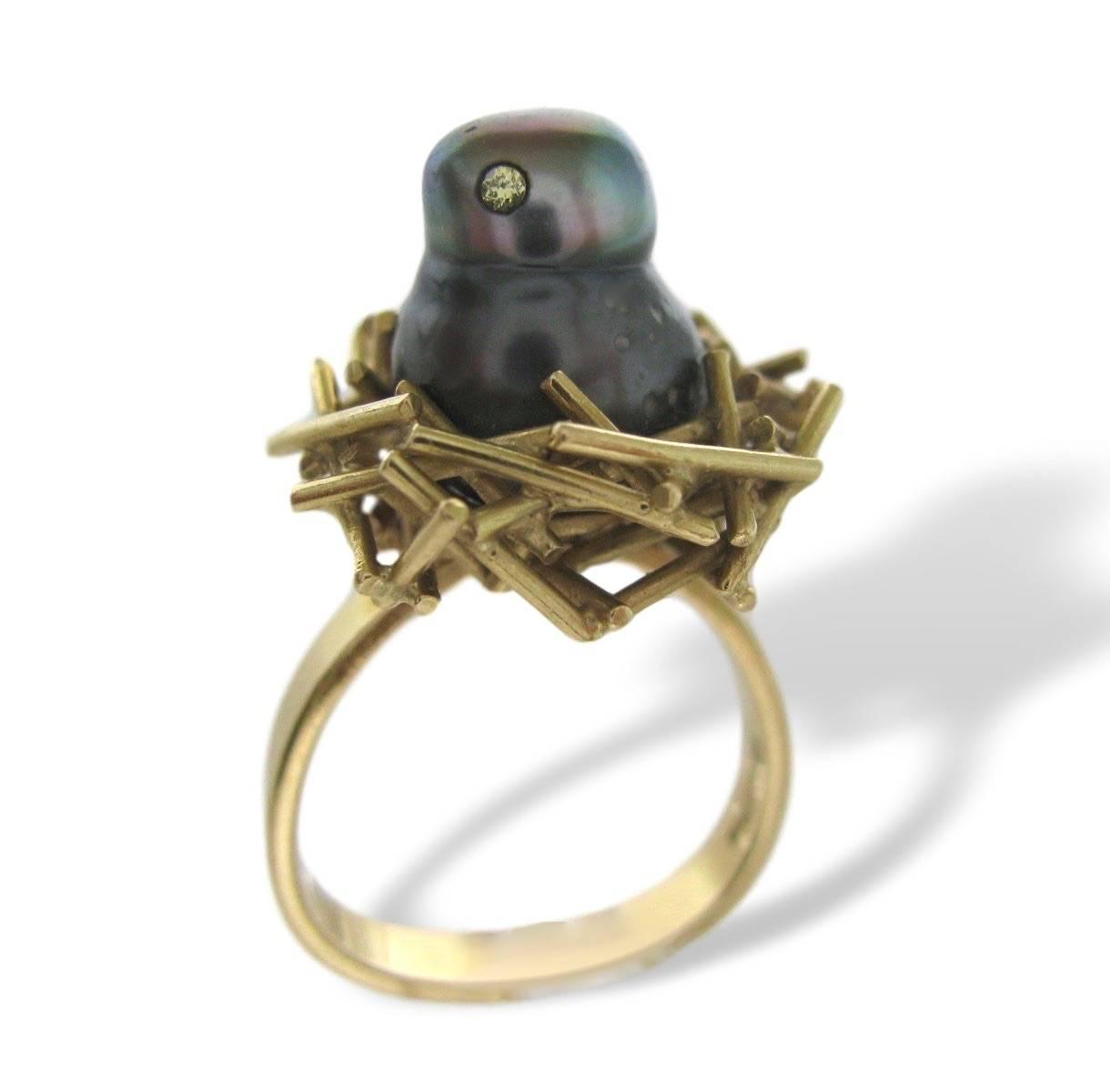Andrew Grima, ring, circa 1980. Foto Kimberly Klosterman, parel, diamant, goud
