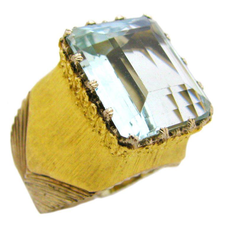 Bucellati, ring, circa 1970. Foto Kimberly Klosterman, goud, witgoud, aquamarijn
