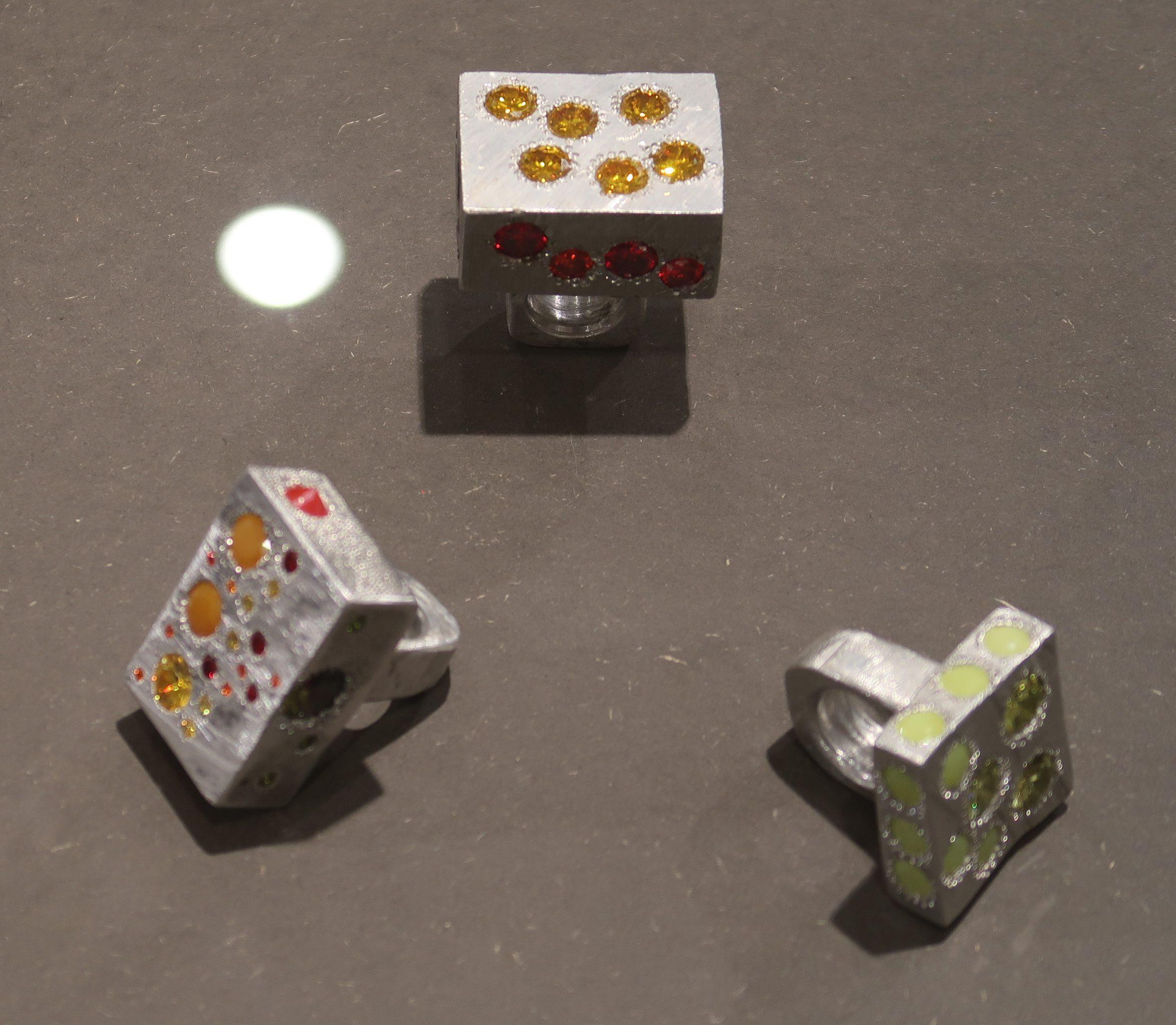 Karl Fritsch, ringen, Stones - The Final Cut, Galerie Handwerk, München, 11 maart 2020. Foto Coert Peter Krabbe