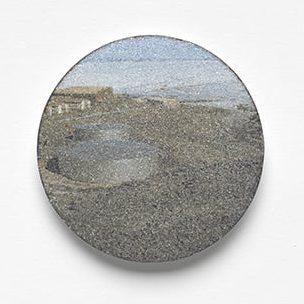 Kirsten Haydon, Ice, broche. Foto Gallery Funaki, email, zilver, koper, staal, fototransfer