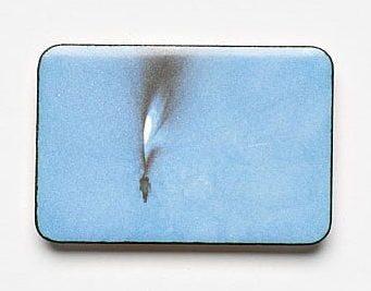Kirsten Haydon, Ice Inside, broche, 2011. Foto Gallery Funaki, email, fototransfer, zilver, koper, staal
