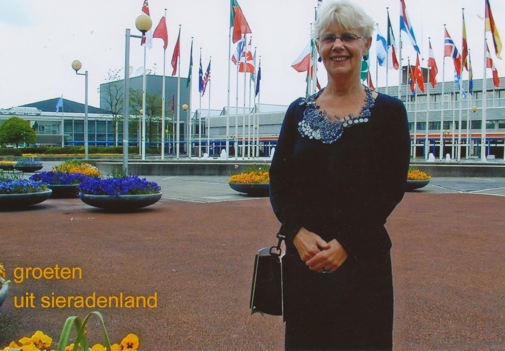 Claartje Keur, Zelfportret met halssieraad van Laura Braspenning, Amsterdam, RAI, 2004. Foto Claartje Keur