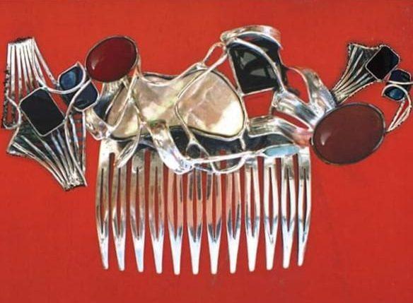 Alberto Gordillo, haarkam, zilver, parelmoer, jaspis