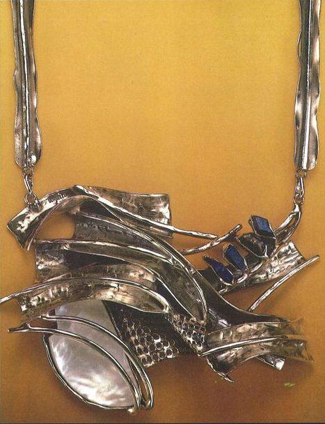 Alberto Gordillo, halssieraad, zilver, lapis lazuli, parelmoer