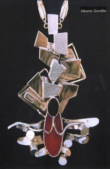 Alberto Gordillo, halssieraad, 1970-1979, zilver, agaat, onyx