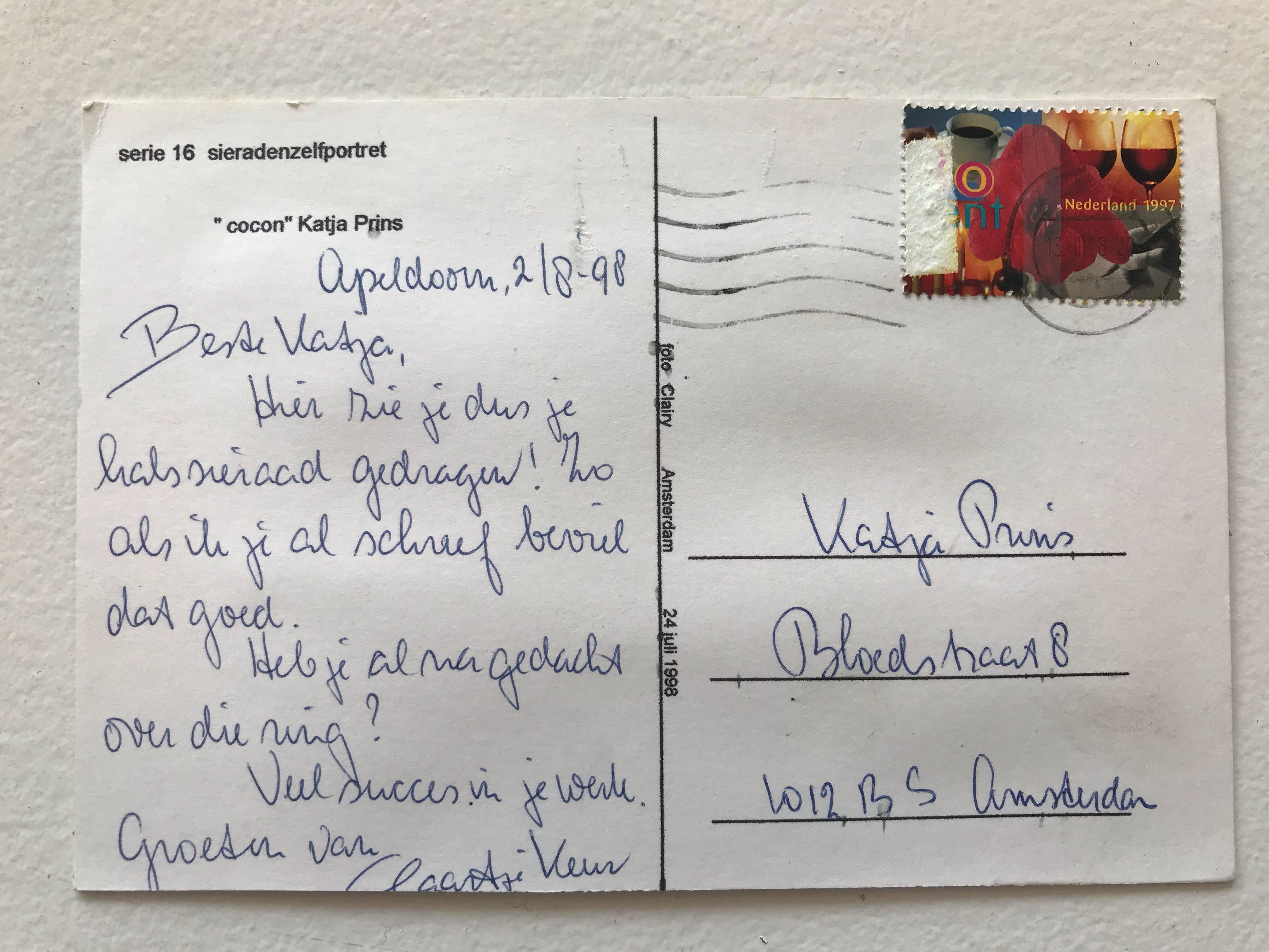 Ansichtkaart van Claartje Keur aan Katja Prins, 2 augustus 1998. Foto Katja Prins, handschrift, poststempel, postzegel