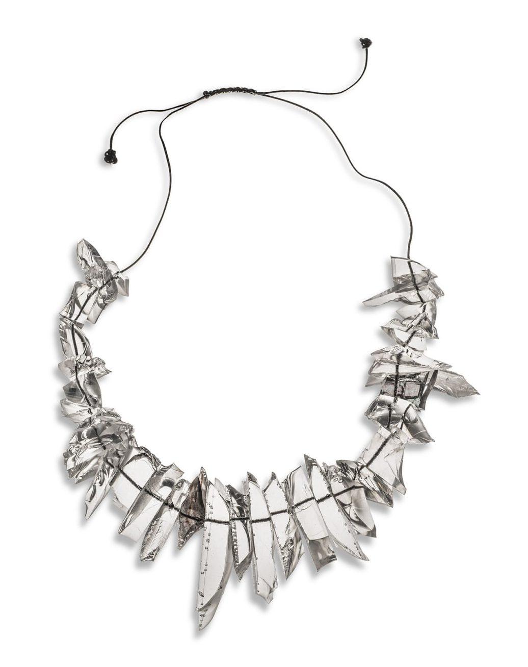 Ron Arad, Rocks Necklace, halssieraad, 2016, zijde, silicone