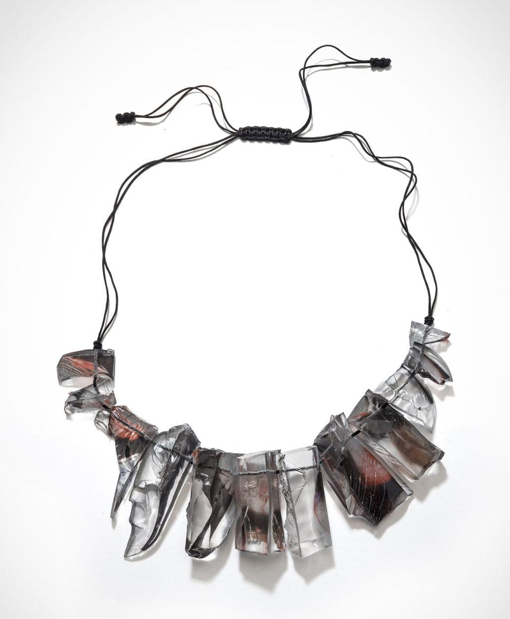 Ron Arad, Rocks Necklace, halssieraad, 2016, silicone, zijde