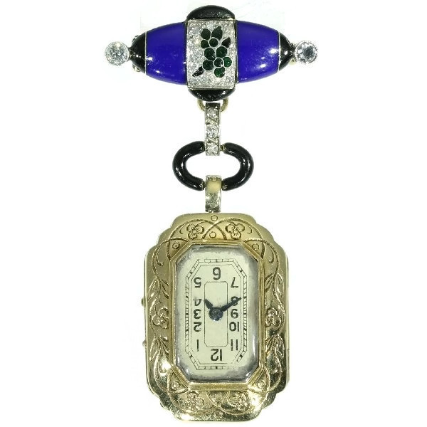 Boucheron, broche met horloge, circa 1925. Foto Adin, geel goud, witgoud, diamanten, email