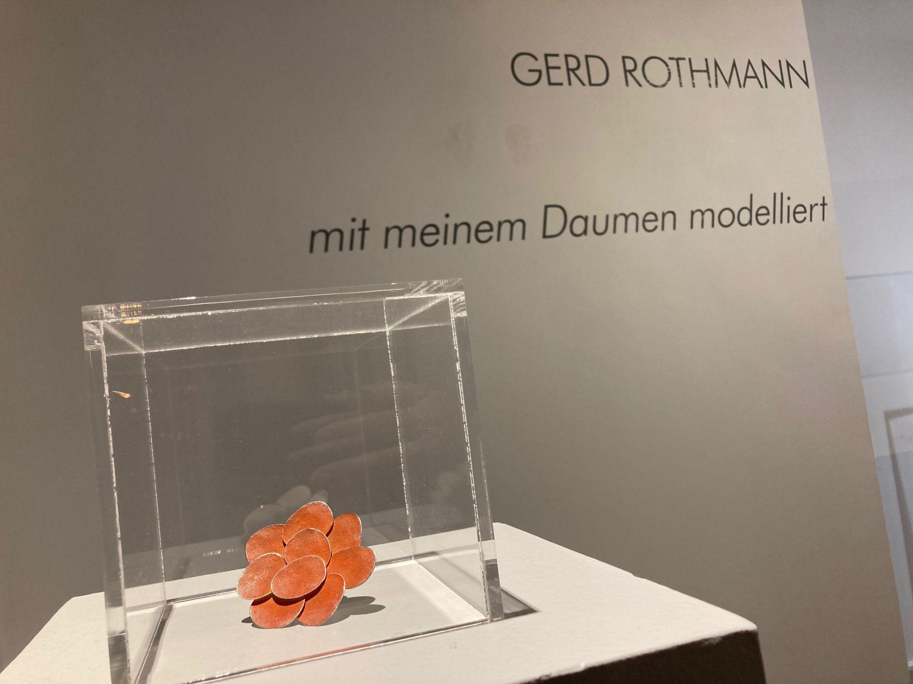 Gerd Rothmann, mit meinem Daumen modelliert, 2021. Foto Ornamentum Gallery, ring,