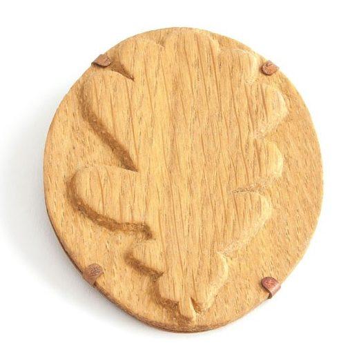Marion Blume, Cameo Oak, broche, 2018, eikenhout, zilver, remanium, koper