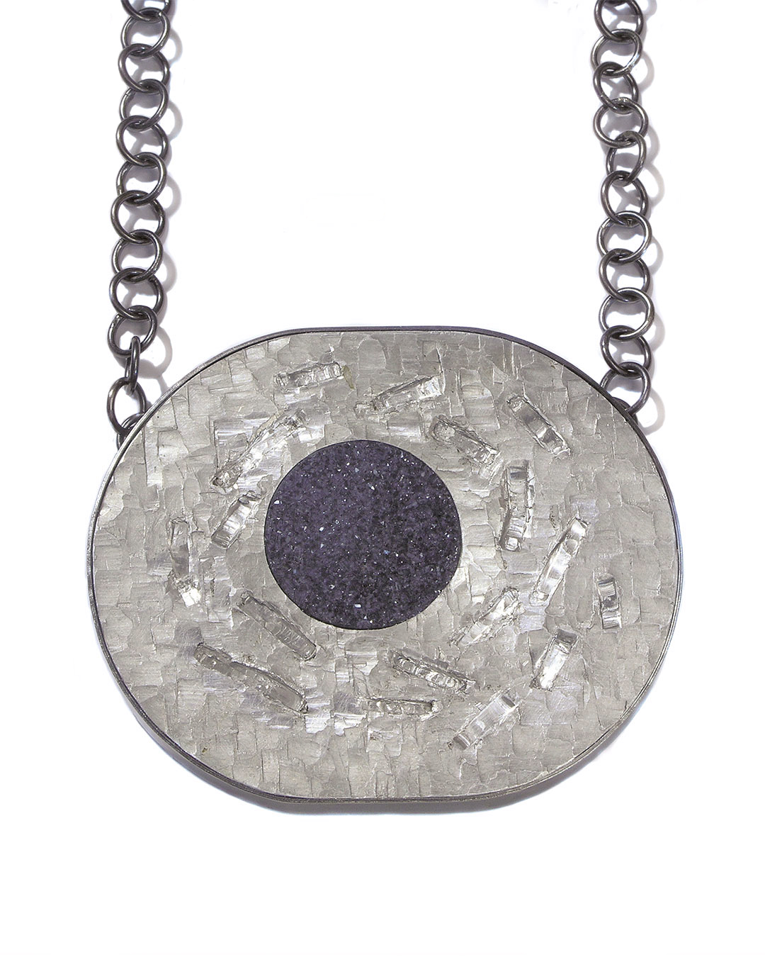 Sybille Richter, See, halssieraad, 2008. Foto Galerie Marzee, zilver, agaat, aluminium