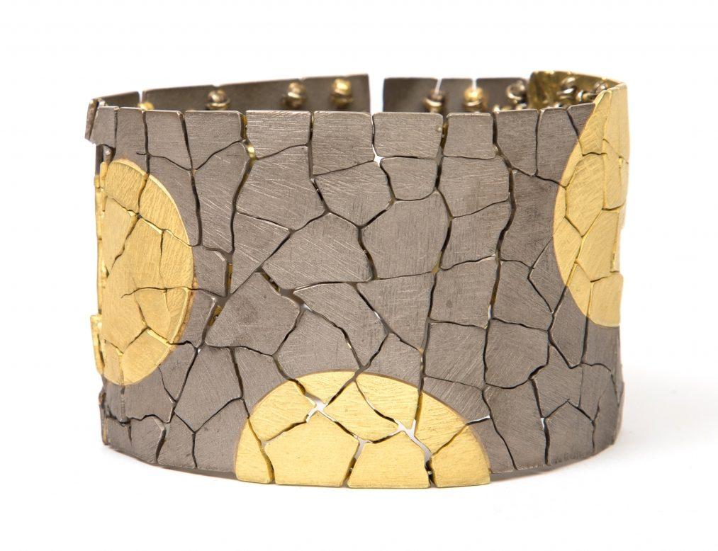 John Iversen, Polka Dot, armband, 2018, goud