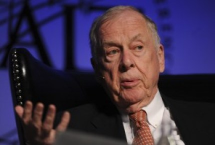 T. Boone Pickens, founder and chief executive officer of BP Capital LLC, speaks during the Skybridge Alternatives (SALT) conference in Las Vegas, Nevada, U.S., on Thursday, May 10, 2012. Participants from the around the world discuss macro-economic trends, geopolitics and alternative investment opportunities in the global economy. Photographer: Jacob Kepler/Bloomberg *** Local Caption *** T. Boone Pickens
