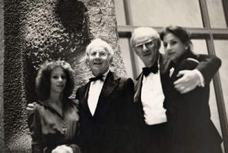Mortimer D. Sackler and his daughter Cathy Sackler with Arthur M. Sackler and his daughter Elizabeth Sackler at the National Gallery of Art, Washington, DC 1974