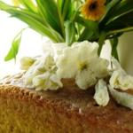 Lemon Drizzle Cake With Crystallised Flowers