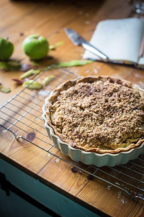 blackberry-and-apple-crumble-pie-9181