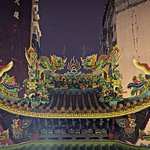 The temples in Taiwan are very ornate and have so many intricate details.