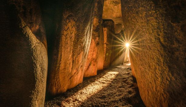 The Solstice at Newgrange