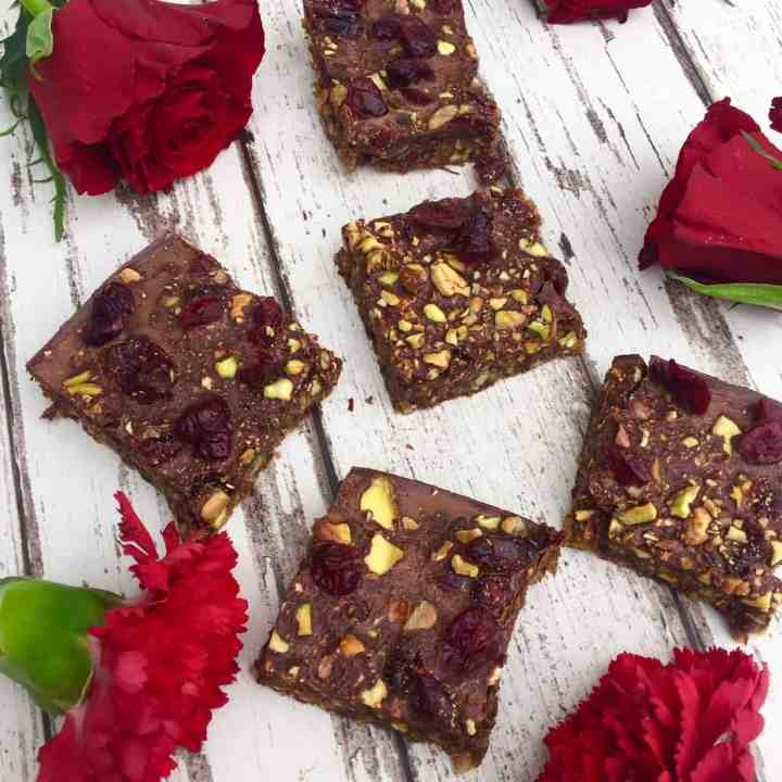 Nut Bars with Pistachios and Cranberries