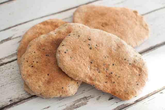 Clean eating pitta bread recipe | Hedi Hearts