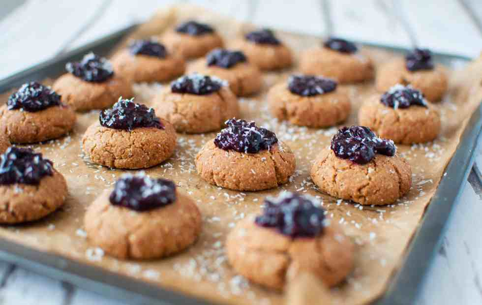 clean-eating-cherry-bakewell-cookies-recipe-008