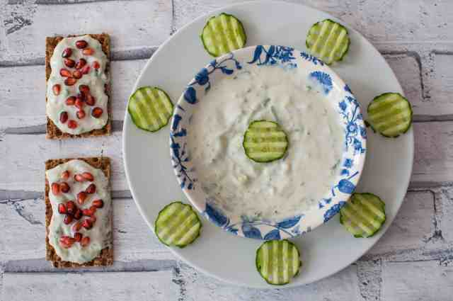 Clean eating tzatziki recipe using handful of ingredients , no equipment and no cooking skills needed either #vegan #glutenfree #vegetarian