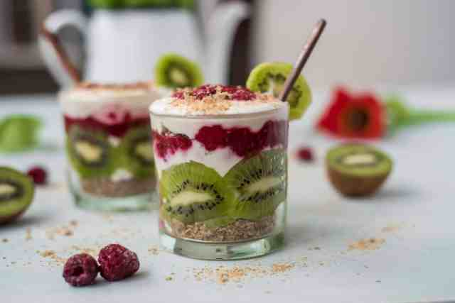 This healthy breakfast trifle recipe is perfect when you have literally have five minutes in the morning. All you need is to have the right ingredients in the fridge and couple of glasses #vegan #dairyfree #breakfastideas