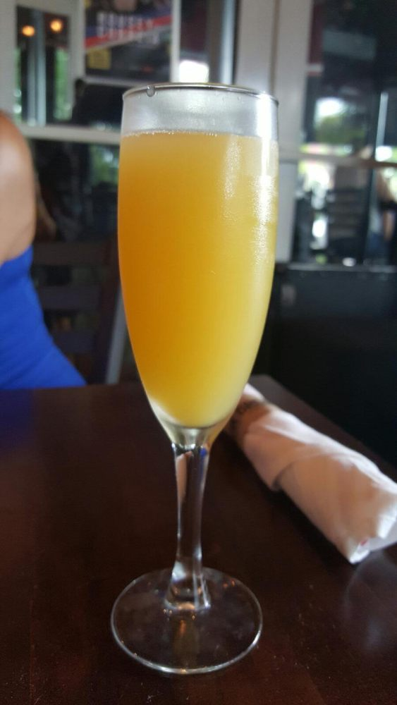 free brunch mimosas for ladies