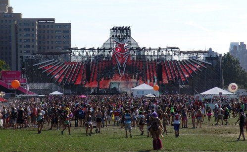 EZOO Main Stage Day