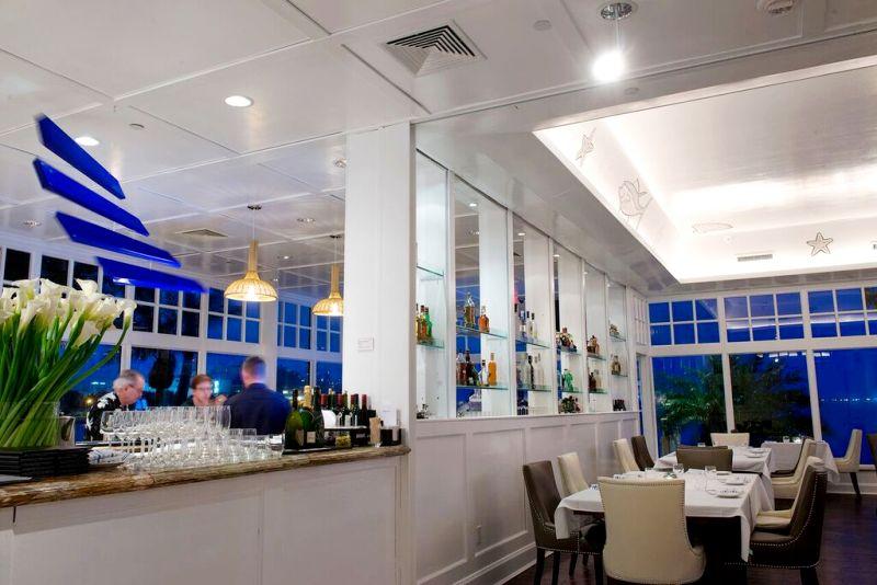 Palmeiras Beach Club - Bar -courtesy of Palmeiras