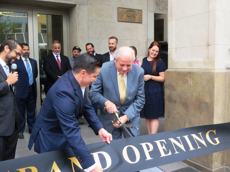 Langford Hotel Miami – miami mayor cuts grand opening ribbon