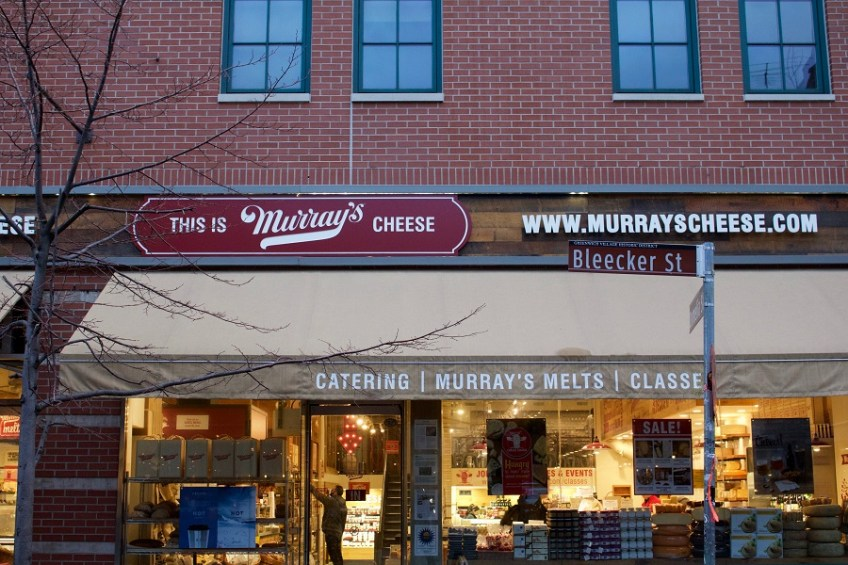 murrays-cheese-outside