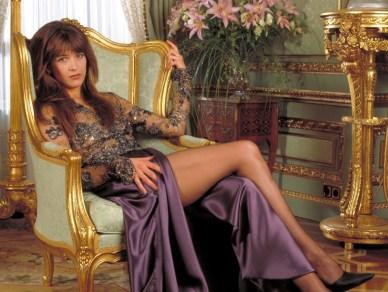 1999: Sophie Marceau kot Elektra King (Vse in še svet)