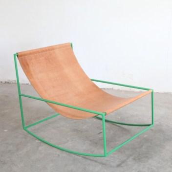 Top 10 modernih gugalnikov, ki so videti odlično v vsakem prostoru: First Rocking Chair by Muller Van Severen