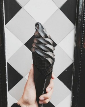 Črni sladoled