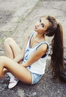 19 deklet, ki navdihujejo s svojimi dolgimi lasmi: Nič se ne more primerjati s tem visokim čopom.