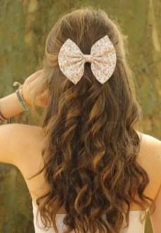 19 deklet, ki navdihujejo s svojimi dolgimi lasmi: Ne pozabite na lasne dodatke.