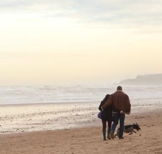 Pojdita na romantični sprehod v naravo.