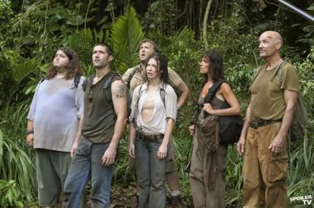 2004: Skrivnostni otok (Lost)