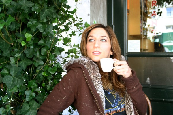 Chelsea Peretti Talks Tv Twitter And In