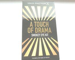 max factor touch of drama smokey eye kit