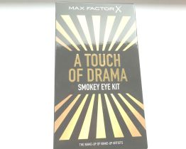 max factor touch of drama smokey eye kit