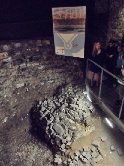 Dublin Castle Medieval Undercroft Viking Fortifications