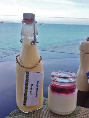 Conrad Koh Samui Jahn Breakfast Smoothie yogurt