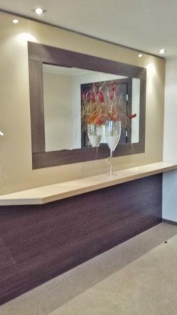 MXP Sheraton Malpensa Diplomatic Suite foyer