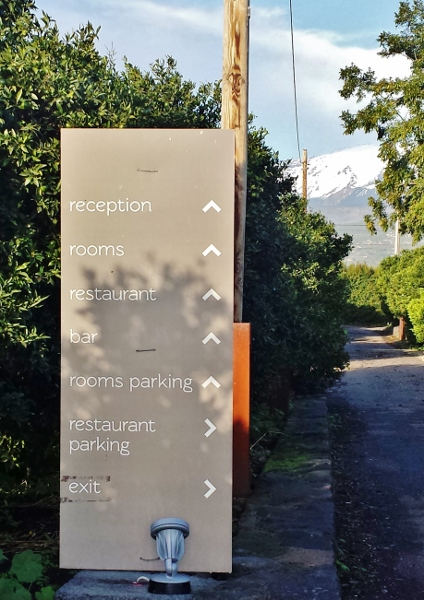 Zash Country Boutique Hotel Sicily Direction Sign