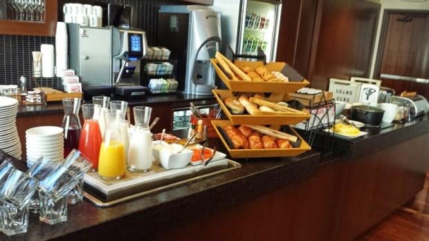 Grand Hyatt Denver Grand Club Breakfast