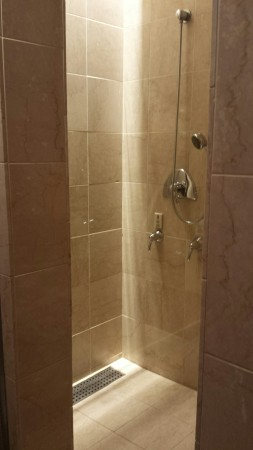 admirals club dfw shower rooms flagship lounge